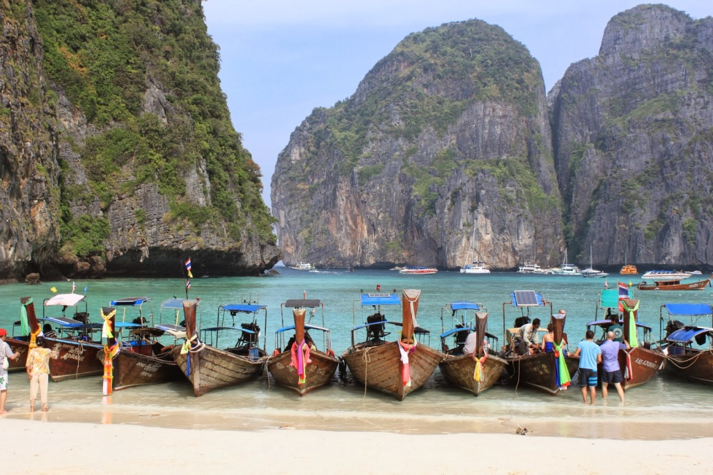 Beautiful Thailand Beaches. Photo credit: My friend Jane from In The Pink and Green who will also be guest blogging while I'm gone!